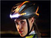 Smart fietshelm met verlichting en richtingsaanwijzers